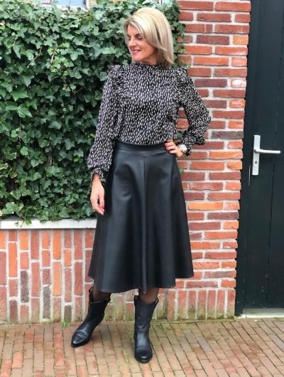 PU Leather midi skirt look